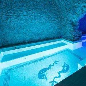 Mosaico artistico di una piscina termale a Roma