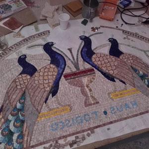Mosaico artistico lunetta con pavoni